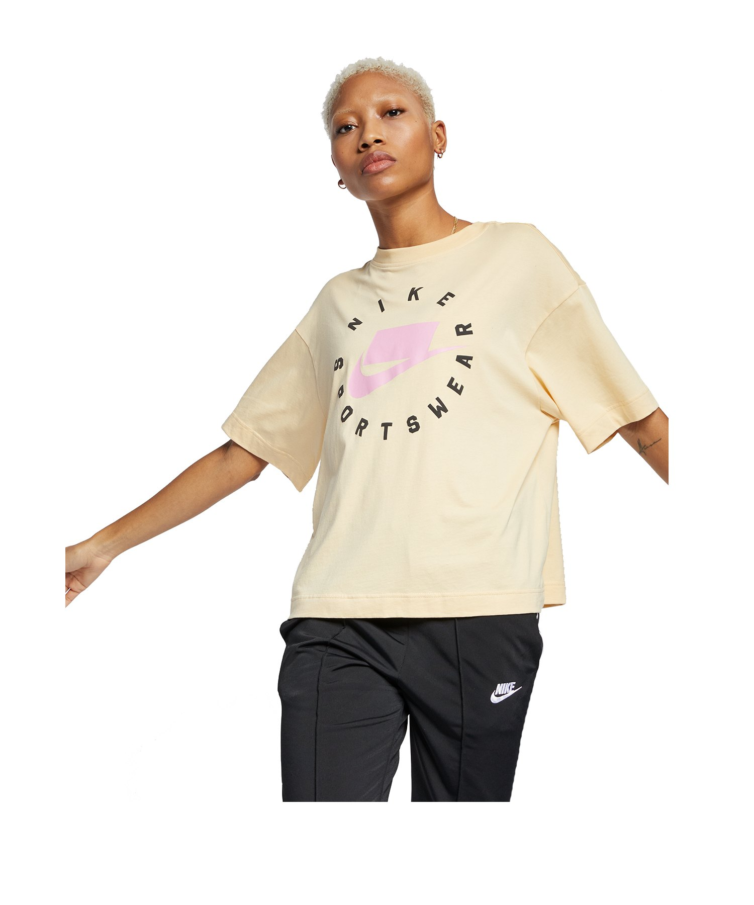 Nike Tee T-Shirt Hellgelb F294 - gelb