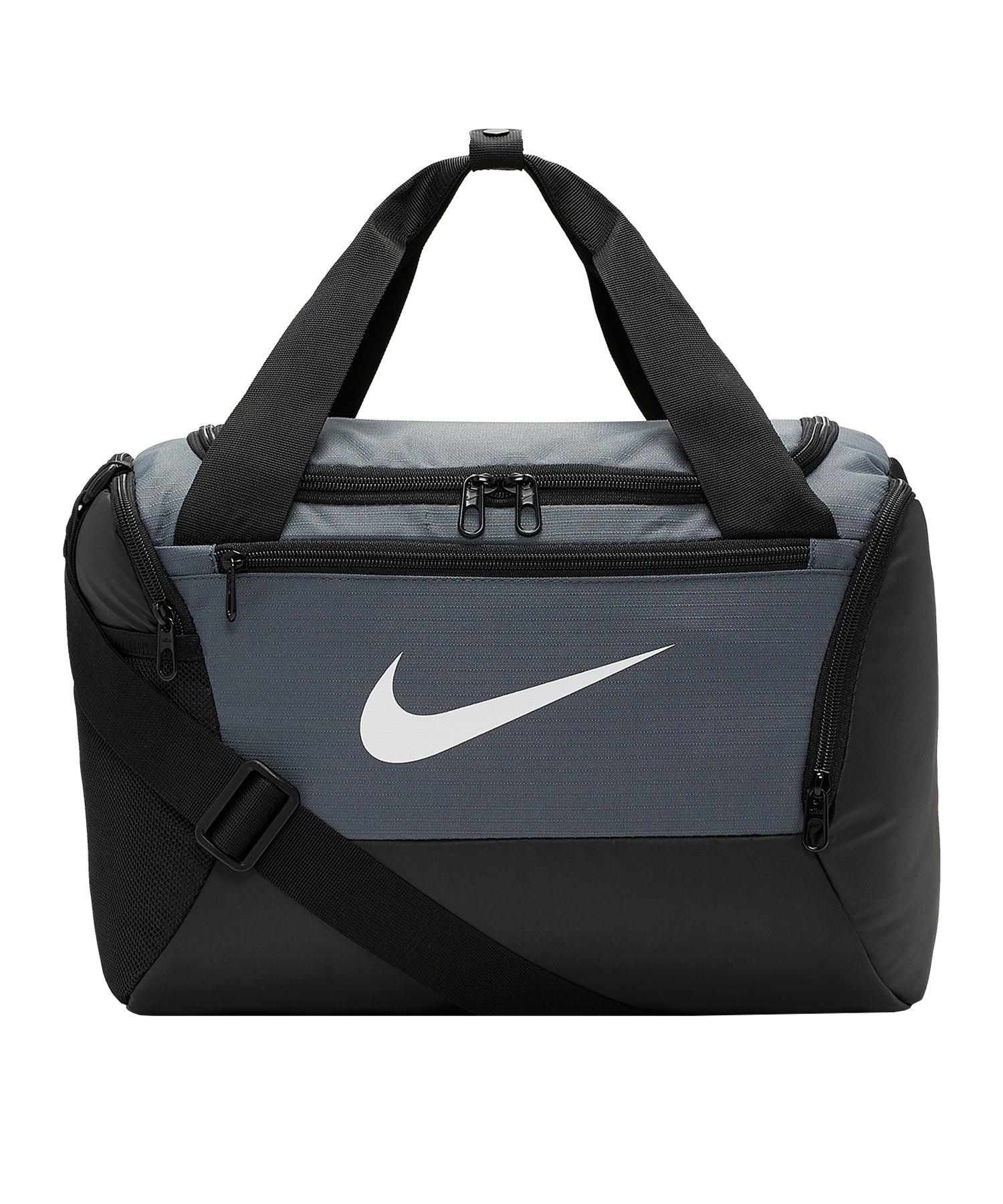 Nike Brasilia Training Tasche Small Grau F026 - grau