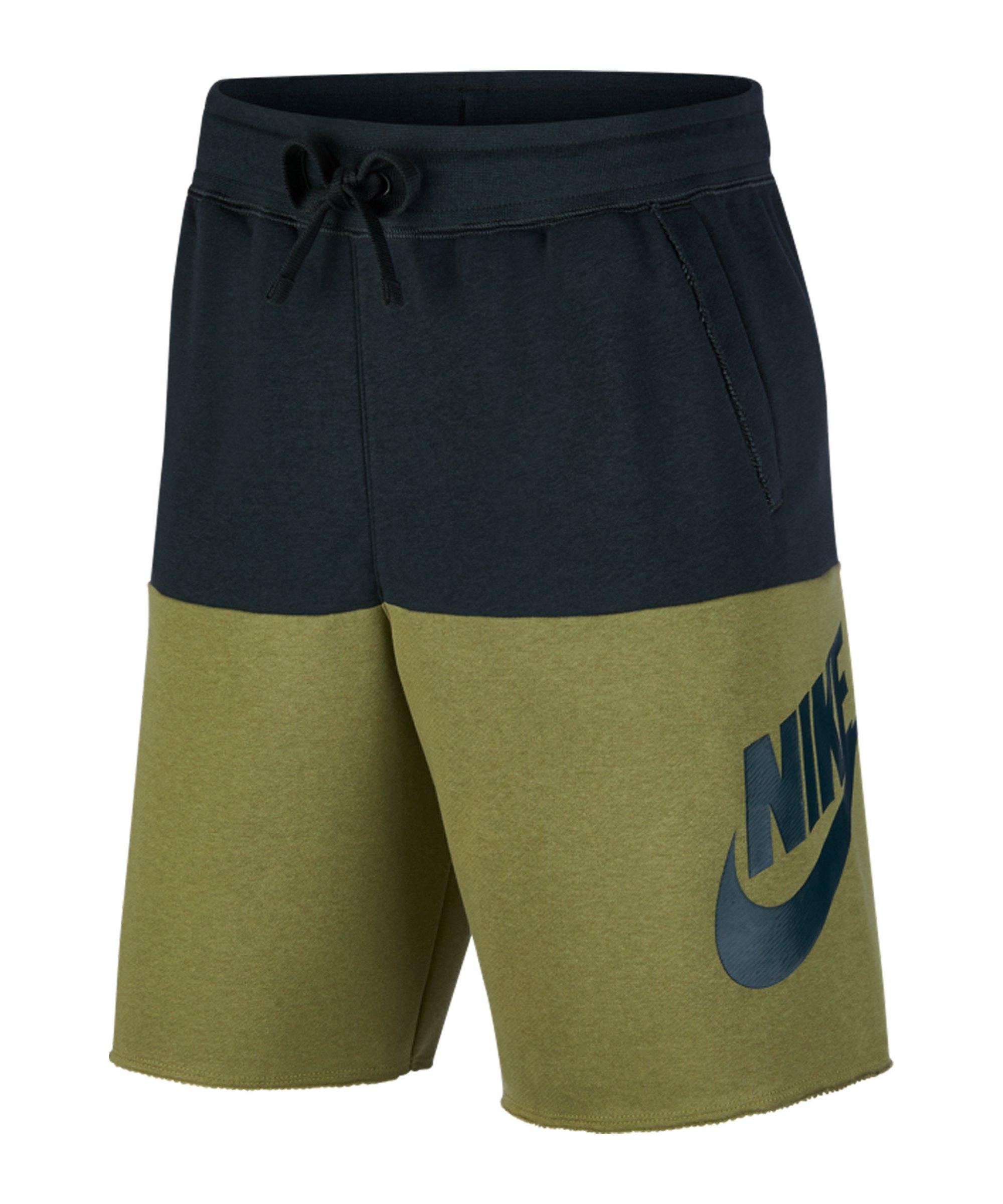 Nike Alumni Short Grün F375 - gruen