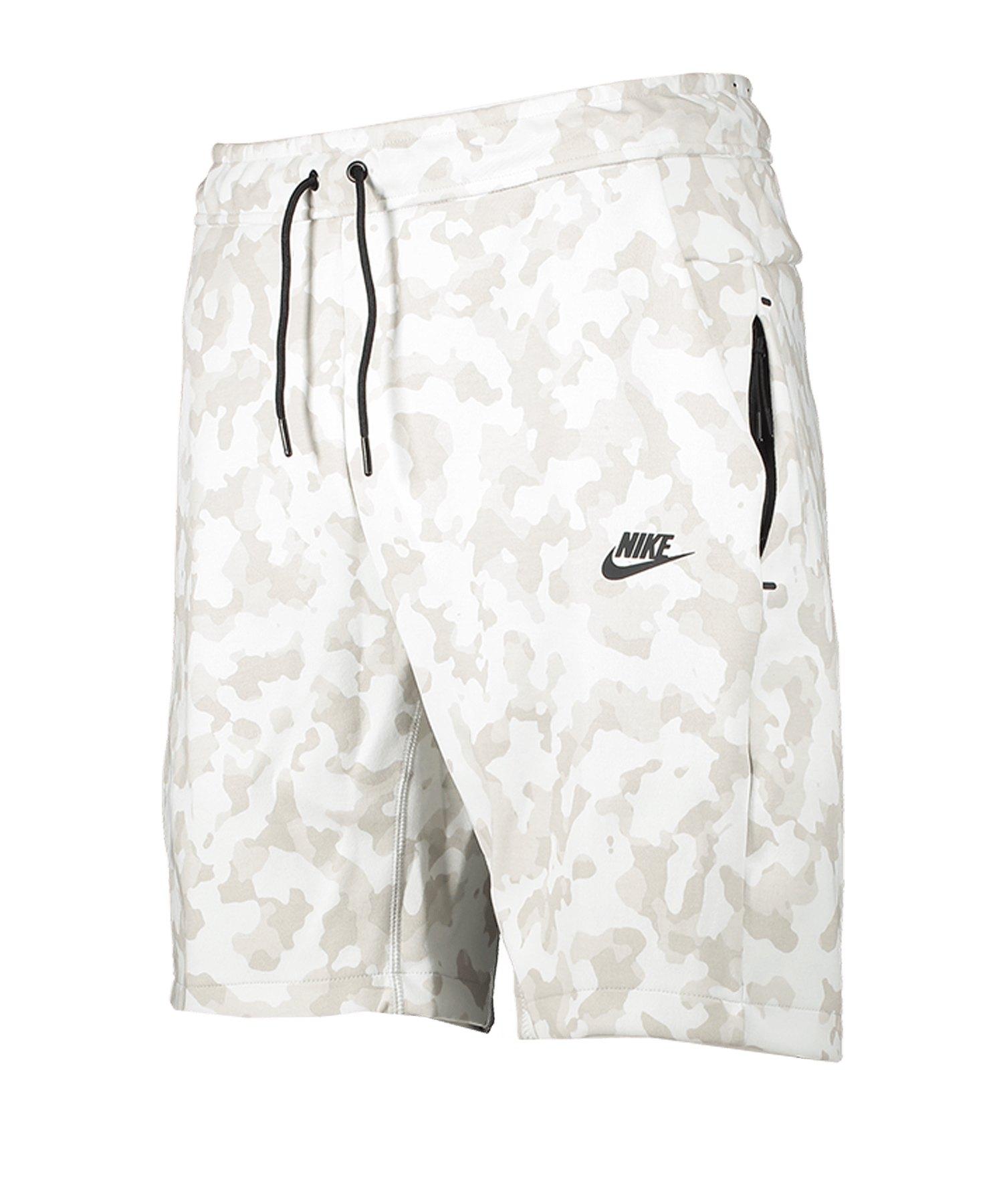 Nike AOP Tech Fleece Short Weiss F121 - weiss
