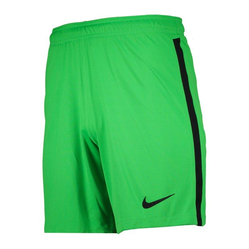 Nike Promo TW-Short Grün F329 - gruen