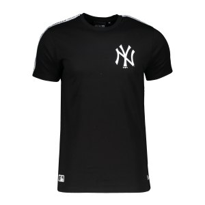 new-era-ny-yankees-mlb-taping-t-shirt-fblkwhi-12369821-lifestyle_front.png