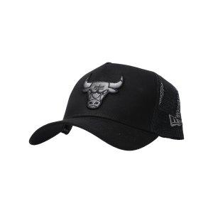 new-era-clean-truckerchicago-bulls-cap-schwarz-12523913-lifestyle_front.png