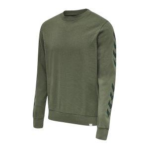 hummel-legacy-chevron-sweatshirt-gruen-f6012-212572-lifestyle_front.png