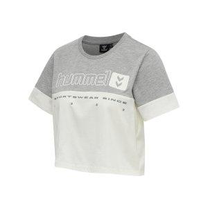 hummel-hmllgc-siw-cropped-t-shirt-damen-grau-f2006-212937-lifestyle_front.png