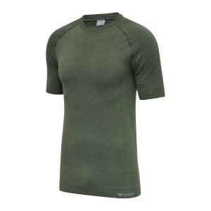 hummel-hmlstroke-seamless-t-shirt-gruen-f6173-213418-lifestyle_front.png