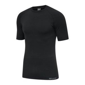 hummel-hmlstroke-seamless-t-shirt-schwarz-f2001-213418-lifestyle_front.png
