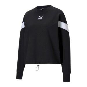 puma-iconic-mcs-cropped-sweatshirt-damen-f01-599654-lifestyle_front.png