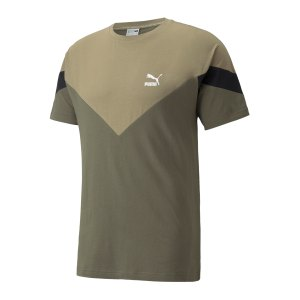 puma-iconic-mcs-t-shirt-gruen-f44-599891-lifestyle_front.png