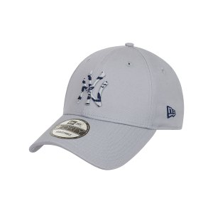 new-era-ny-yankees-infill-940-cap-grau-fgra-60081227-lifestyle_front.png