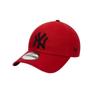 new-era-ny-yankees-essential-9forty-cap-fhrd-60141851-lifestyle_front.png