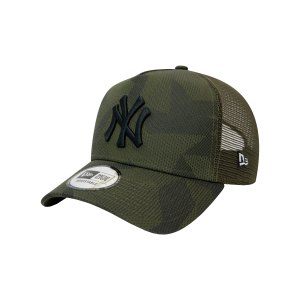 new-era-ny-yankees-camo-trucker-cap-fnov-60141892-lifestyle_front.png
