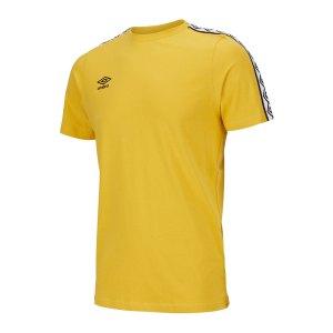 umbro-fw-taped-t-shirt-gelb-fjw9-65777u-fussballtextilien_front.png