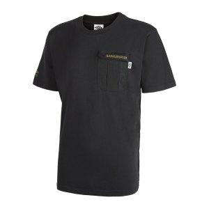 umbro-utility-pocket-t-shirt-schwarz-f60-65874u-fussballtextilien_front.png