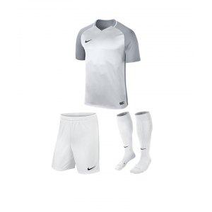 nike-trophy-iii-trikotset-kids-weiss-f100-equipment-teamsport-fussball-kit-ausruestung-vereinskleidung-881484-trikotset.jpg