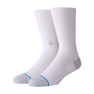 stance-staples-icon-st-200-socken-weiss-a546a20is2-lifestyle_front.png