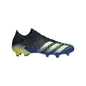 adidas-predator-freak-1-l-fg-schwarz-weiss-fy0745-fussballschuh_right_out.png