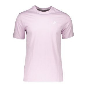nike-club-t-shirt-lila-f576-ar4997-lifestyle_front.png