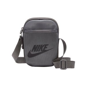 nike-heritage-items-bag-tasche-grau-schwarz-f068-ba5871-lifestyle_front.png