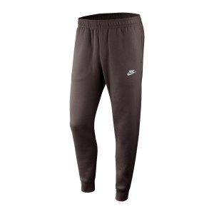 nike-club-fleece-jogginghose-braun-weiss-f237-bv2671-lifestyle_front.png