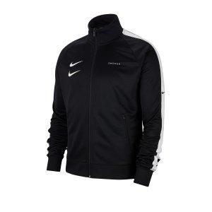 nike-swoosh-jacket-jacke-schwarz-f010-lifestyle-textilien-jacken-cj4884.png
