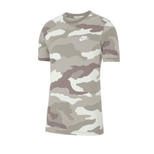 nike-aop-camo-tee-t-shirt-weiss-f121-ck3003-lifestyle.png