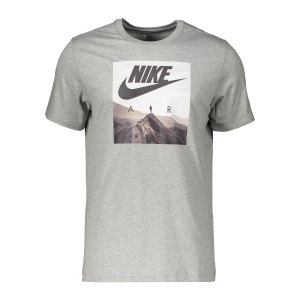 nike-air-photo-t-shirt-grau-f063-ck4280-lifestyle_front.png