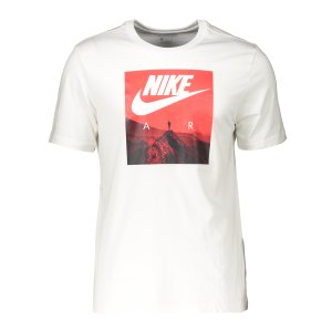 nike-air-photo-t-shirt-weiss-f100-ck4280-lifestyle_front.png