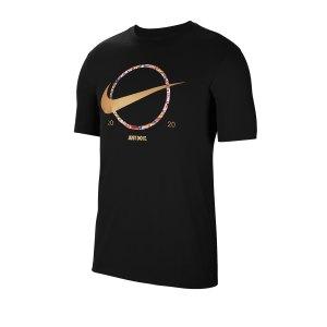 nike-swoosh-preheat-tee-t-shirt-schwarz-f010-ct6871-lifestyle.png