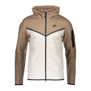 nike-tech-fleece-windrunner-braun-schwarz-f208-cu4489-lifestyle_front.png
