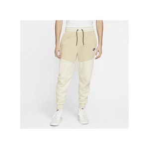 nike-tech-fleece-jogginghose-beige-schwarz-f234-cu4495-lifestyle_front.png