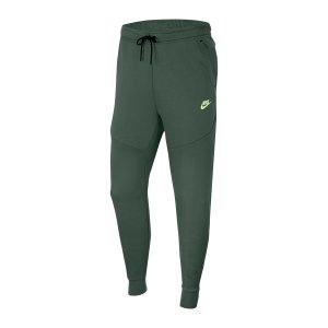 nike-tech-fleece-jogginhose-gruen-f337-cu4495-lifestyle_front.png
