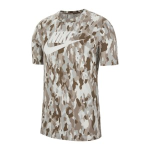 nike-aop-camo-club-t-shirt-grau-f028-cu7454-lifestyle_front.png