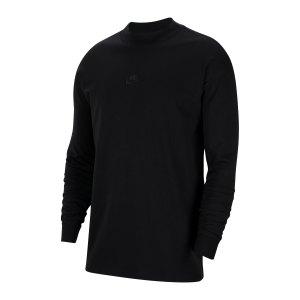 nike-essential-sweatshirt-schwarz-f010-cz2287-lifestyle_front.png