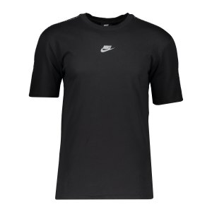 nike-repeat-t-shirt-schwarz-f011-cz7825-lifestyle_front.png