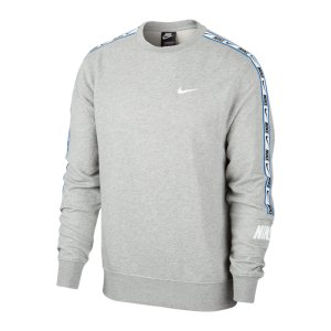 nike-repeat-crew-sweatshirt-grau-f063-cz7828-lifestyle_front.png