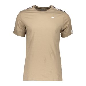 nike-repeat-t-shirt-khaki-weiss-f247-cz7829-lifestyle_front.png