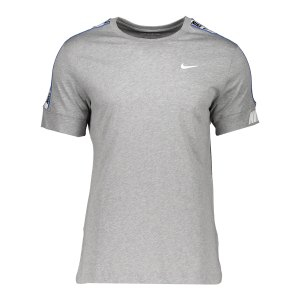 nike-repeat-t-shirt-grau-f063-cz7829-lifestyle_front.png
