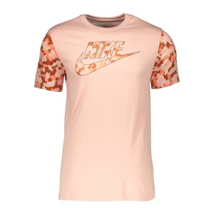 nike-classic-graphic-camo-t-shirt-rosa-f800-da0325-lifestyle_front.png