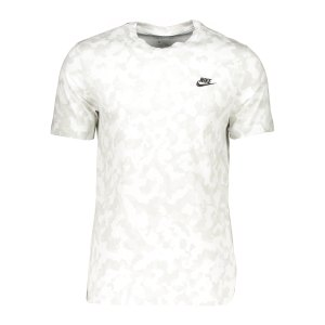nike-club-camo-t-shirt-weiss-f121-da0469-lifestyle_front.png