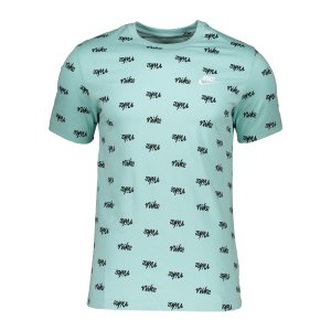 nike-printed-club-t-shirt-gruen-f382-da0514-lifestyle_front.png