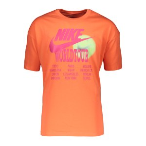 nike-world-tour-t-shirt-orange-f842-da0937-lifestyle_front.png