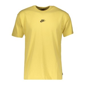 nike-premium-essential-t-shirt-gold-schwarz-f700-db3193-lifestyle_front.png