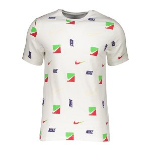 nike-brandriff-aop-t-shirt-weiss-f100-dd1334-lifestyle_front.png