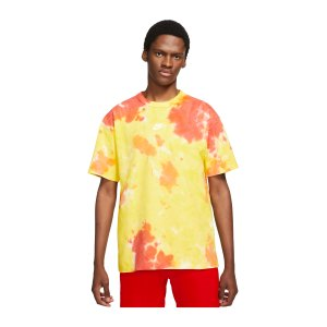 nike-premium-essential-ssnl-t-shirt-gelb-f102-dd2720-lifestyle_front.png