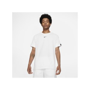 nike-repeat-t-shirt-weiss-f100-dd4497-lifestyle_front.png