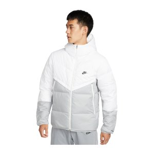 nike-storm-fit-winterjacke-weiss-f100-dd6795-lifestyle_front.png