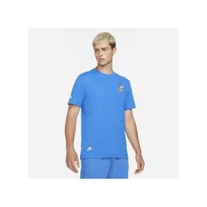 nike-sportswear-t-shirt-blau-f403-dj1568-lifestyle_front.png