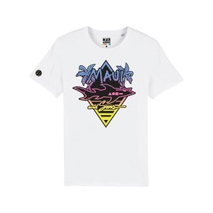maui-and-sons-logo-bunt-t-shirt-weiss-massttu755-lifestyle_front.png