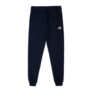 new-balance-essentials-embroidered-hose-fbk-mp11590-lifestyle_front.png